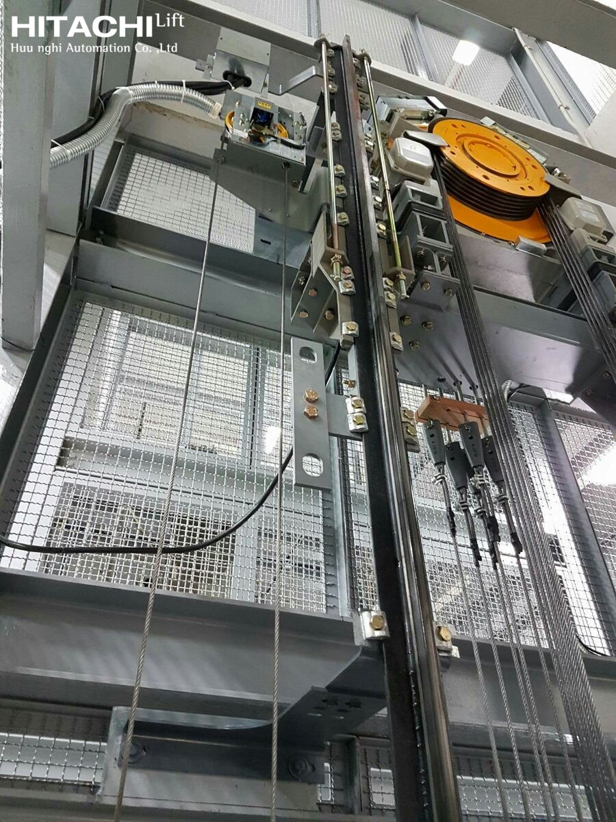 Hình ảnh thực tế thang không phòng máy HITACHI, UAG-SN1